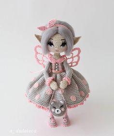"""Говорит:""""Хочу солоху в горошек .""""😉🙃 _____________ #миниатюра #кукларучнойработы #вязаная_кукла #амигурумикукла"""