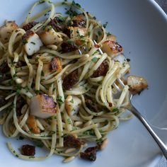 Linguine with Scallops, Sun-Dried Tomatoes, and Pine Nuts | Food & Wine