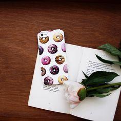 Напоммнаем что сегодня можно получить 20% скидку при любом заказе на Hipoco.com по коду INSTA1000 Скидка действует до 23.59. На фото вкусные Пончики в лиловом для #iphone5s автор паттерна @coosomno. #hipoco #art#pattern#cake#скетч#иллюстрация#акварель#акварельнаятехника#рисунок#чехол#пончики#пончик#айфон5#айфон6#айфон6плюс#кейс#iphonecase#iphone6s#iphone6splus#пионы#illustration#watercolor#watercolour#aquarelle#doughnuts#doughnut#шоколад#еда#foodlover hipoco.com