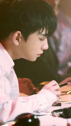 joshua jisoo hong as yi shioon. Woozi, Wonwoo, Jeonghan, Seungkwan, Vernon, Joshua Seventeen, Choi Hansol, Hong Jisoo, Hip Hop