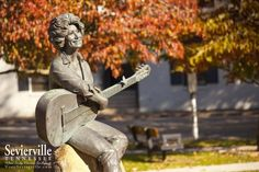 You can find Dolly Parton's bronze statue in Historic Downtown Sevierville. Vacation Planner, Vacation Trips, Sevierville Tennessee, Girlfriends Getaway, Tennessee Vacation, Tourism Website, Mountain Vacations, Dolly Parton, Travel Information