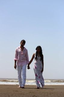 Couple Poses for your Pre-Wedding Photoshoot