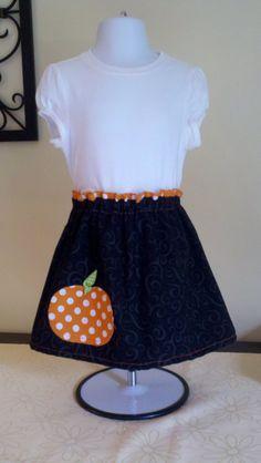 So nunu's would love this outfit for my daughter. Halloween Applique Skirt- Baby/ Toddler