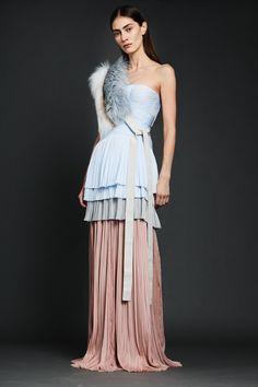 http://www.vogue.com/fashion-shows/pre-fall-2017/j-mendel/slideshow/collection