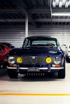 Visit The MACHINE Shop Café... ❤ The Best of Alfa Roméo... ❤ (Alfa Roméo 2000 GTV