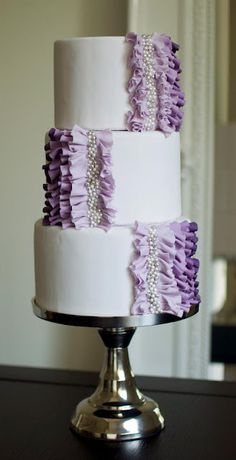 We love wedding cakes! We have everything from the latest trends (bye naked cakes!), to the flavors everyone is loving, expert tips and thousands of beautiful wedding cakes to inspire you. Purple Wedding Cakes, Beautiful Wedding Cakes, Gorgeous Cakes, Pretty Cakes, Cute Cakes, Dream Wedding, Cake Wedding, Dessert Wedding, Ribbon Wedding