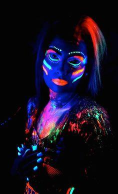 www.glowzone.ee ,Glow näomaalingud, kehamaalingud, soengud, noortepeod, laste sünnipäevad, kooli lõpetamine, tüdrukute õhtud, fotostuudio, sünnipäev, kostüümid, kokteilipurskkaev, neoon pidu, peosalong, laste disko, ruumide rent, noorte glow baar