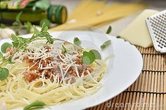 Bolognai Spagheti - Download From Over 57 Million High Quality Stock Photos, Images, Vectors. Sign up for FREE today. Image: 89595878