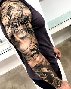 Matias Nobles schwarz-graues realistisches Tattoo - Tattoo Style - Tattoo World Galaxy Tattoo Sleeve, Space Tattoo Sleeve, Realistic Tattoo Sleeve, Arm Sleeve Tattoos, Tattoo Sleeve Designs, Tattoo Designs Men, Egyptian Tattoo Sleeve, Tattoo Sleeve Themes, Black Sleeve Tattoo