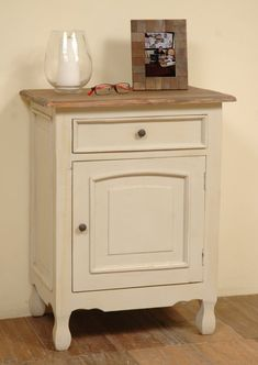 This 1 Drawer Accent Cabinet is just what you need for extra storage space in your vintage or classic kitchen, den or powder room. Do a cottage style furnishing makeover of your casual gathering space Living Room Shop, Living Room Chairs, Living Room Furniture, Extra Storage Space, Storage Spaces, Shabby Chic Cabinet, Dining Table Lighting, Painted Drawers, Decorative Items