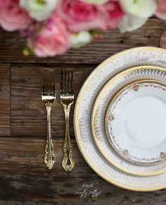 Looking to create a beautiful tablescape? Start small by picking your plates and flatware, and build the look from there.