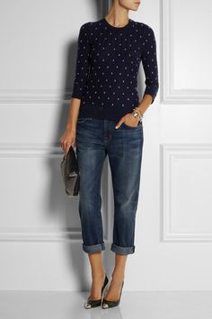 J.Crew sweater http://www.net-a-porter.com/product/380323 Cuffed Jeans, Boyfriend Jeans Heels, Cropped Jeans, Loose Jeans, Boyfriend Sweater, Navy Jeans, Jeans And Flats, Jeans Fit, Denim Heels