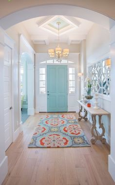 A welcoming coastal entryway