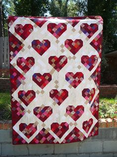 Sewing Quilts hearts quilt - I know this pattern originally came from one of the Quilting magazines. As I never do anything the way I am told, I changed the block size and created my own quilting patterns to accomodate my grow… Scrappy Quilts, Baby Quilts, Heart Quilts, Heart Quilt Pattern, Quilt Patterns, Quilting Projects, Quilting Designs, Quilting Ideas, Creation Art