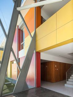 A Colorful School with Swisspearl