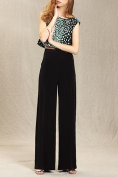 Wide leg trousers + crop top = this season's best new look for a night on the town!