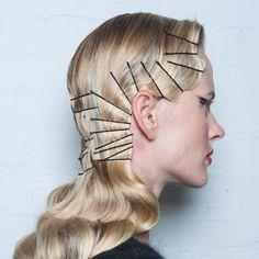 zac-posen-odile-hair-hairpins-fw14-nyfw-main.jpg 1,500×1,500 pixels