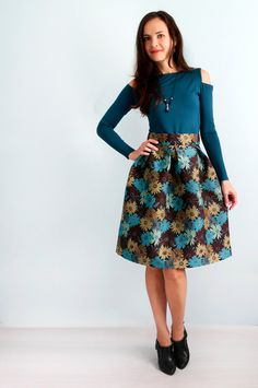 Fluffy skirt with floral patterns Blouse with open от Florinio