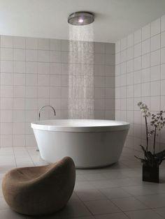 Round methacrylate #bathtub GEO 180 by @?? ?? Siemienowski-Zucchetti Kos | #design Ludovica+Roberto Palomba #bathroom