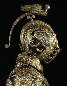 Stunning armor and helmet Medieval Helmets, Medieval Armor, Medieval Fantasy, Armadura Medieval, Knight In Shining Armor, Knight Armor, Arm Armor, Body Armor, Helmet Armor