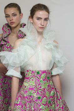 Delpozo at London Fashion Week Spring 2019 - Backstage Runway Photos Couture Mode, Couture Fashion, Runway Fashion, Fashion Show, Fashion Design, Paris Fashion, London Fashion Weeks, London Stil, Dress Indian Style