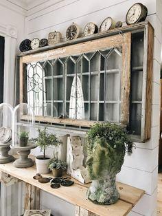 Diy corbel entryway table cottage chic diy home decor, farmh Shabby Chic Kitchen, Shabby Chic Homes, Shabby Chic Decor, Vintage Decor, Rustic Decor, Farmhouse Decor, Salvaged Decor, 1950s Decor, Vintage Farmhouse