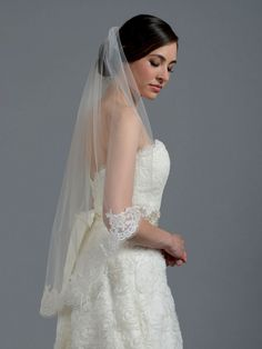 Nice 45+ Outstanding Wedding Veils Ideas With Various New Styles  https://oosile.com/45-outstanding-wedding-veils-ideas-with-various-new-styles-6549