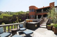 Luxury Villa rental with Infinity pool in Central Mexico.