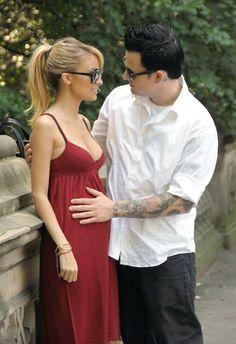 nicole richie maternity fashion...love the cute ponytail