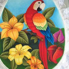 Love Birds Painting, Peacock Painting, Fabric Painting, Graphite Art, Art Drawings For Kids, Bee Art, Giant Paper Flowers, Animal Paintings, Beautiful Birds