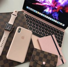 There is a lot of information available to help you use your iphone to its maximum capabilities. Keep reading and learn some tricks for your iphone. Cute Phone Cases, Iphone Cases, Bling Phone Cases, Telefon Apple, Apple Store, Macbook Skin, Macbook Pro, Accessoires Iphone, Mac Book
