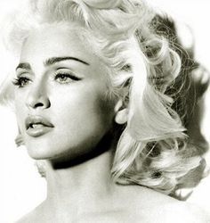 My all-time favorite pic of Madonna. The mandible. The glowing blond hair. It was when she was doing her collagen lips though. Bandana Hairstyles, Great Hairstyles, Retro Hairstyles, Straight Hairstyles, Blonde Curly Hair, Honey Blonde Hair, Hair Images, Hair Pictures, Photomontage