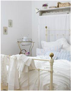 Zaragoza Contemporary Style Queen Bed