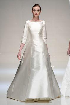stewart_parvin_2013_019 longsleeve wedding dress