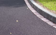 Let Whiteoaks Services manage your driveways in Solihull. Hire trusted landscapers in Solihull. Driveway Landscaping, Driveway Ideas, Walkway, Gravel Driveway, Perfect Image, Perfect Photo, Love Photos, Cool Pictures, Tarmac Driveways