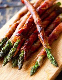 Prosciutto Wrapped Asparagus [RECIPE]