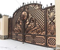 Wrought iron gates Though historic with concept, the pergola has become going through a bit Iron Fence Gate, Metal Gates, Wrought Iron Gates, Iron Gates Driveway, Iron Gate Design, House Gate Design, Fence Design, Front Gates, Entrance Gates