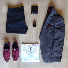 Sneakers...why not❔❓❔#outfitgrid #outfitkillers #ootd  1⃣Pants: #zara man 2⃣Blazer: #massimorebecchi 3⃣Tee: #alcott 4⃣Shoes: #nike blazer 5⃣Wallet: #gucci 6⃣Parfum: #dolcegabbana Intenso