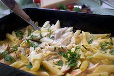 Ugnsbakad pasta alfredo- Pastagratäng - ZEINAS KITCHEN Penne Pasta, Pasta Salad, Pasta Alfredo, 20 Min, Risotto, Potato Salad, Macaroni And Cheese, Potatoes, Ethnic Recipes
