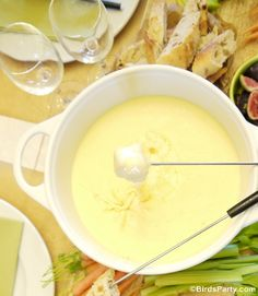 Authentic French 'Fondue Savoyarde' Recipe by Bird's Party Authentic French Cheese Fondue Savoyarde Recipe - learn to make this winter tasty dish at home for family dinner party and celebrations! Fondue Recipes, Cheese Recipes, Cooking Recipes, Party Recipes, Kabob Recipes, Copycat Recipes, Beef Recipes, Healthy Recipes, French Fondue Recipe
