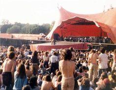 Lynyrd Skynyrd playing Freebird at Knebworth Fair, 1976