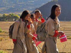 O Butãoé um pequenino reinoencravado aos pés do Himalaia e bastante fechado ao turismo. Ao nor...