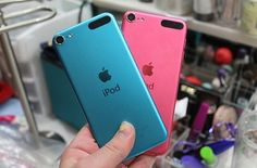 I love I pods!!!! My sis has pink and I have blue!!!