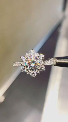 Snowflake Ring, Snowflake Jewelry, Snowflake Wedding, Luxury Jewelry, Bohemian Jewelry, Indian Jewelry, Jewelry Trends, Jewelry Ideas, Jewelry Design