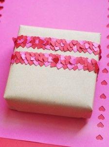 confetti cadeautje inpakken kun je ook in lettercombinatie doen
