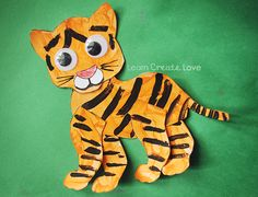 Adorable Craft with printable template - can use this template to make a tiger, jaguar, cheetah, etc. Use during preschool rainforest theme Preschool Jungle, Jungle Crafts, Zoo Animal Crafts, Tiger Crafts, Cat Crafts, Preschool Crafts, Rainforest Crafts, Rainforest Theme, Rainforest Project