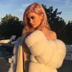 Kylie Jenner goes for gold