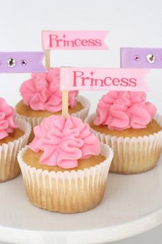 Glorious Treats » Princess Cupcakes with Ruffled Frosting - now just try and find out how to make silver frosting..
