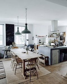 Though, at first, this homemay look a bit austere, I find it quite cozy, relaxing and of course, dreamy! The muted monochromatic palette mixed withunrefined woods, textured finishes and vintage finds, looks quite serenity. Photos by Michael Sinclair