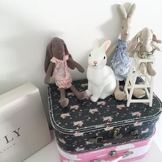 Girl's bed with Maileg bunnies and Woodland rabbit night light